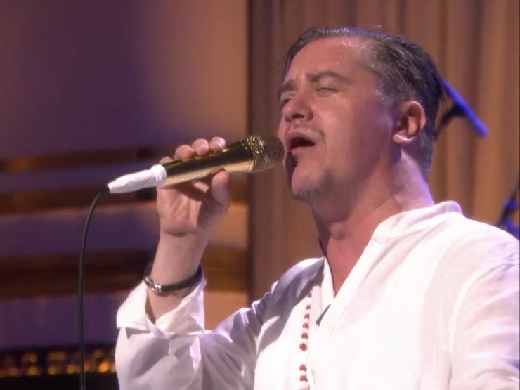 "Faith No More ""Superhero"" / ""Easy"" (live on 'Fallon')"