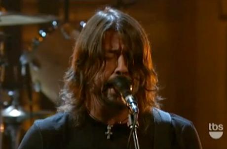 """Foo Fighters """"Walk"""" (live on 'Conan')"""