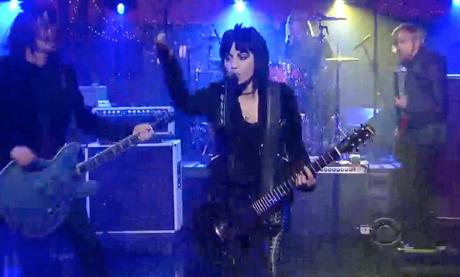 "Foo Fighters ""Bad Reputation"" (ft. Joan Jett) (live on 'Letterman')"