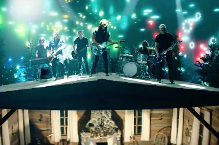 """Foo Fighters Unveil """"The Sky Is a Neighborhood"""" Video"""