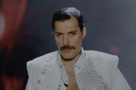 """Queen """"Let Me in Your Heart Again"""" (William Orbit mix) (video)"""