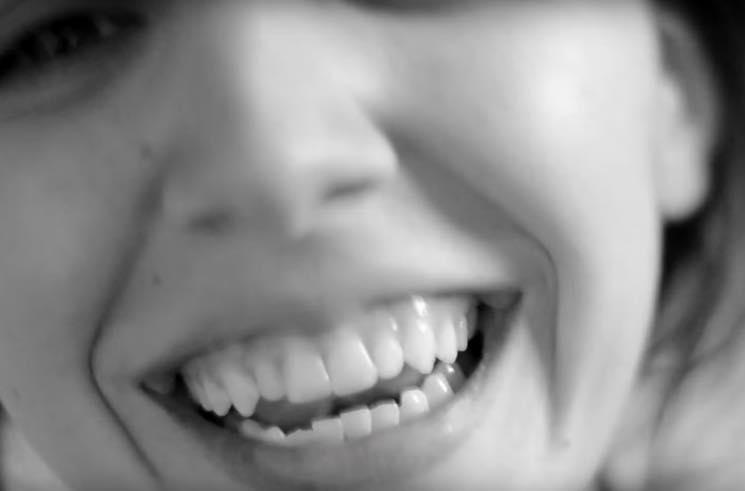 """Danielle Fricke """"Dizzy"""" (video)"""