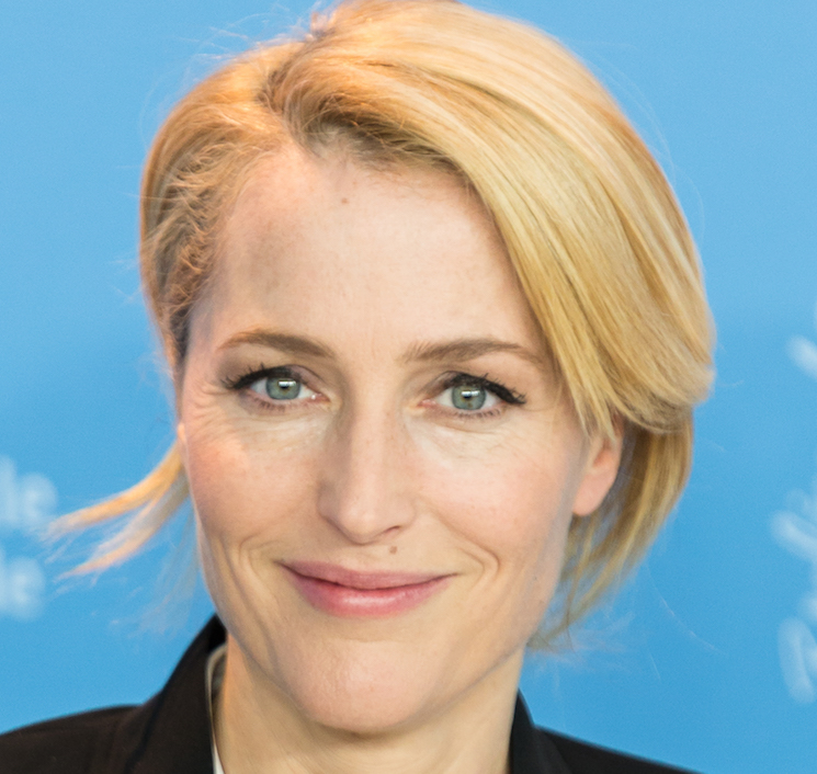 'X-Files' Star Gillian Anderson Urges Justin Trudeau to End Seal Hunt
