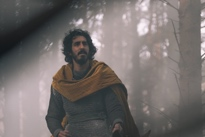 'The Green Knight' Is an Aggressively Arty Take on Arthurian Adventure Directed by David Lowery