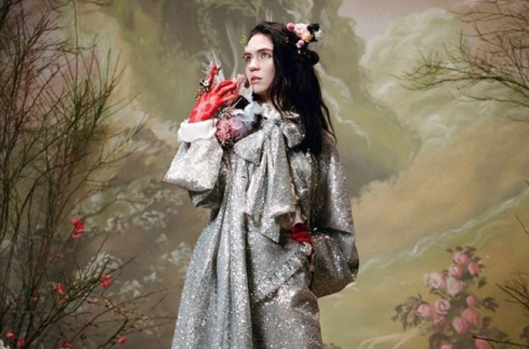 Grimes' Bonkers Health Regime Includes Surgically Removing the Colour Blue from Her Vision
