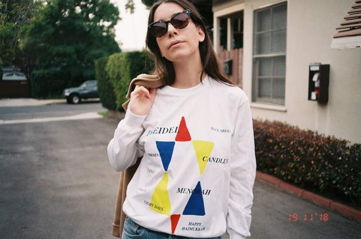 """HAIM Donate Proceeds from """"Haimukkah"""" Shirt to Tree of Life Synagogue in Pittsburgh"""