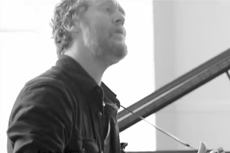 """Glen Hansard Performs """"Come Away to the Water"""""""
