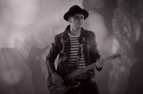 "Hawksley Workman ""Don't Take Yourself Away (Instant Nostalgia)"" (video)"