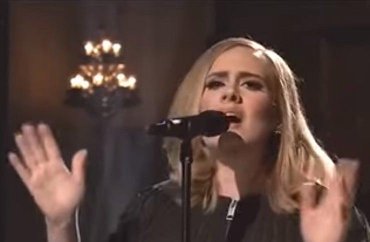 """Adele """"Hello"""" (live on 'SNL')"""