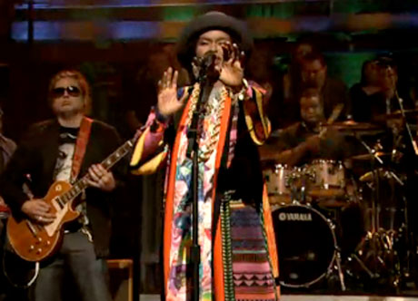 "Lauryn Hill ""Could You Be Love"" / ""Chances Are"" (Bob Marley covers) (Live on 'Fallon')"