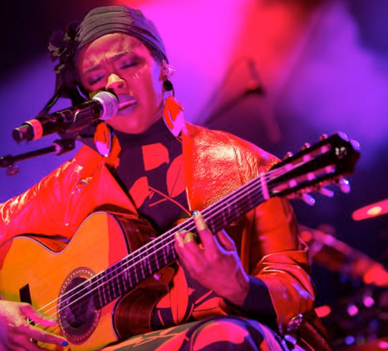 "Lauryn Hill Cancels Anniversary Shows After ""Unforeseen Production Issues"""