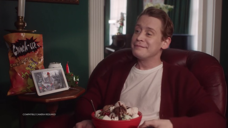 Watch Macaulay Culkin Reenact Classic 'Home Alone' Scenes