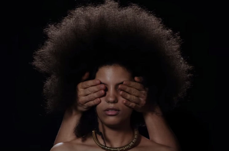 "Ibeyi ""Stranger/Lover"" (video)"