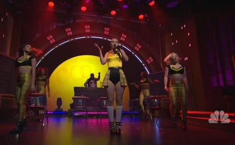 "Iggy Azalea ""Fancy"" (ft. Charli XCX) (live on 'Meyers')"