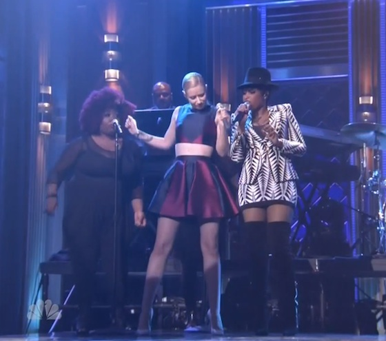 "Iggy Azalea ""Trouble"" (ft. Jennifer Hudson) (live on 'Fallon')"