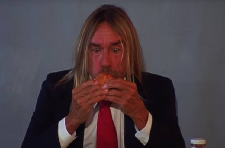 ​Watch Iggy Pop Demolish a Hamburger in Death Valley Girls' New Video