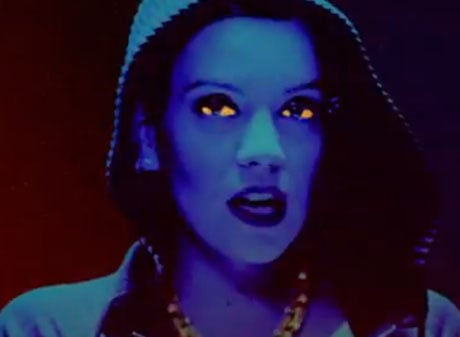 "Lily Allen ""Sheezus"" (video)"