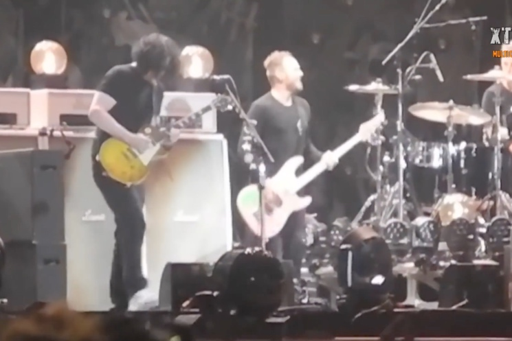 "Watch Jack White and Pearl Jam Play ""Rockin' in the Free World"""
