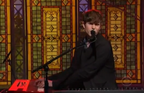 "James Blake ""Retrograde"" (live on 'Letterman')"