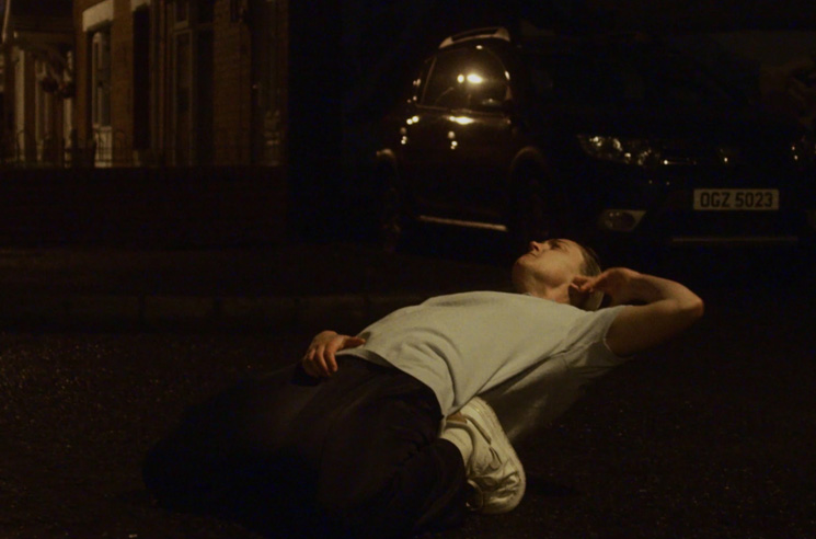 Jamie xx Brings Dancing to the Street in 'Idontknow' Video