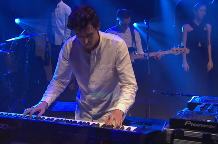 "Jamie xx ""Loud Places"" (live on 'Meyers')"