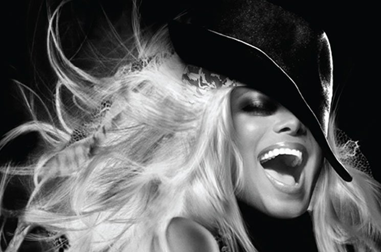 "Janet Jackson Hits Canada on ""Unbreakable World Tour"""