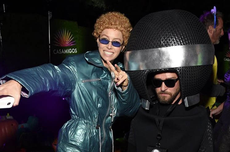 ​Jessica Biel Dressed Up as *NSYNC-era Justin Timberlake for Halloween