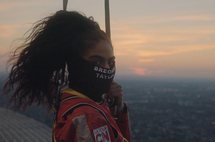 Watch Jessie Reyez Sing 'O Canada' Atop the CN Tower