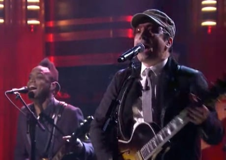 "Jimmy Fallon & the Roots ""Desire"" (U2 cover)"