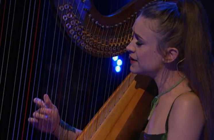 "Joanna Newsom Talks Andy Samberg and Lord of the Rings on 'Late Night,' Performs ""A Pin-Light Bent"""