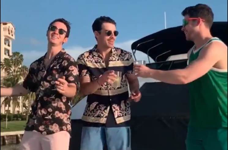 ​Watch the Jonas Brothers Dancing to Kacey Musgraves on a Yacht Just Because