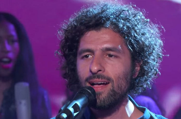 José González 'Leaf Off/The Cave' / 'Killing for Love' (live on 'Kimmel')