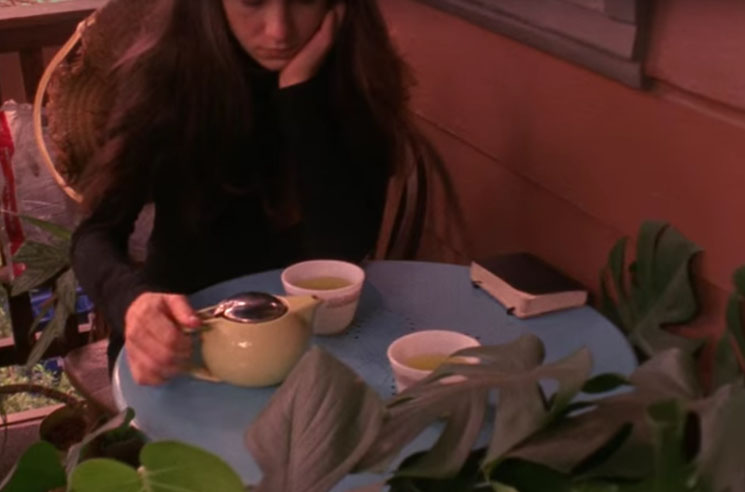 "Julia Holter ""Silhouette"" (video)"