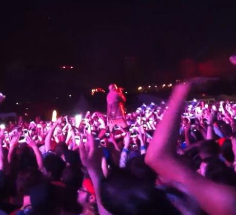 Kanye West 'I Am A God' (live at Governers Ball)