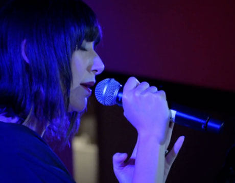 Karen O 'Moon Song' / 'Maps' (live video)