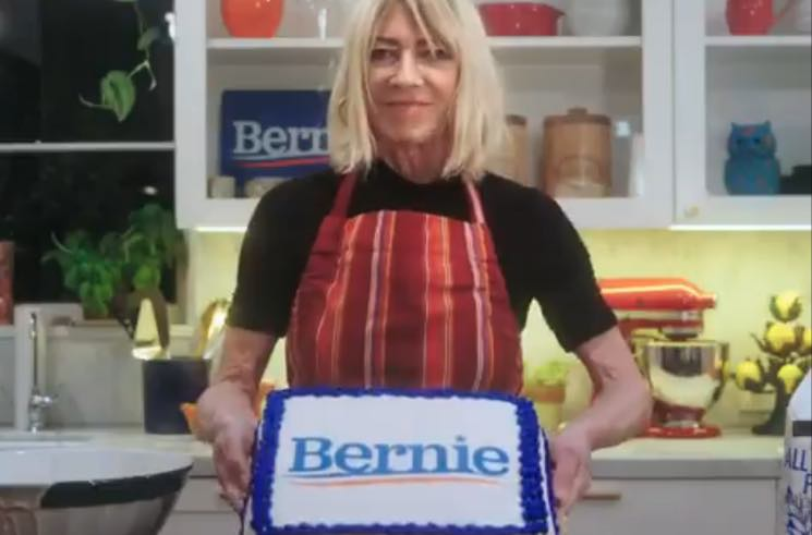 ​Kim Gordon Endorses Bernie Sanders by Baking a Cake