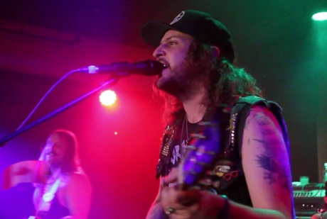 King Tuff 'Coastal Frequencies' (live video)