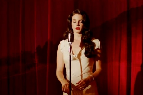 "Lana Del Rey ""Burning Desire"" (video)"