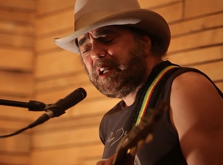 Daniel Lanois and Rocco DeLuca 'Live at the Belljar' (video)