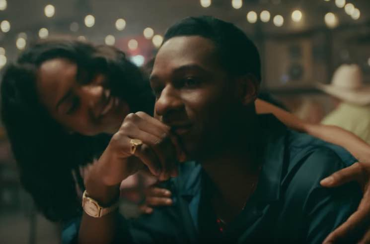 "Leon Bridges ""Beyond"" (video)"