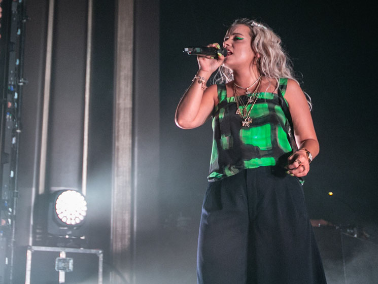 Lily Allen Dedicates 'Fuck You' to Liam Neeson at Sydney Show