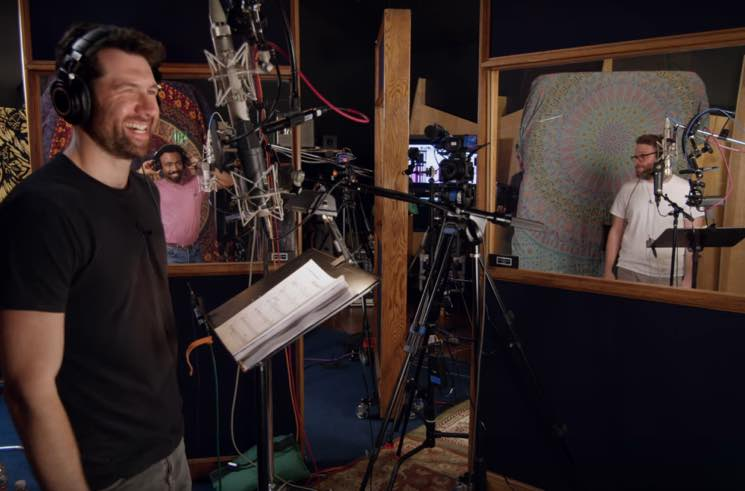 "​Hear Donald Glover, Billy Eichner and Seth Rogen Sing ""Hakuna Matata"" in New 'Lion King' Featurette"