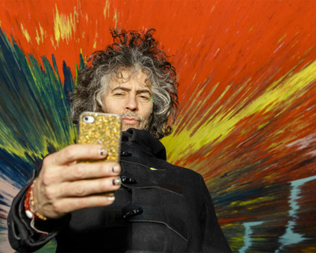 "The Flaming Lips' Wayne Coyne to Release ""the World's First Vertical iPhone Movie"""