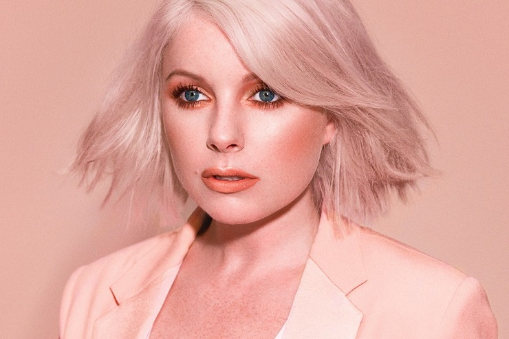 "Little Boots ""Staring at the Sun"""