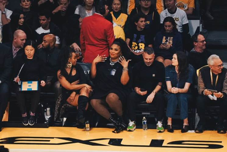 ​Twitter Still Has a Lot to Say About Lizzo's Butt at the Lakers Game