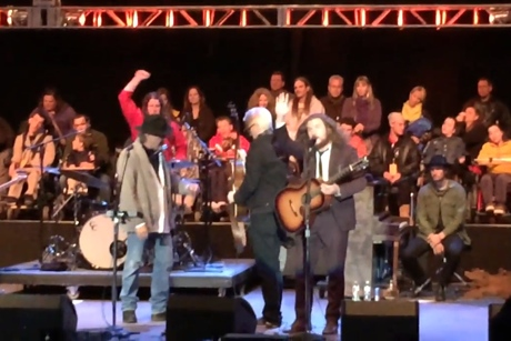 "Neil Young & Friends ""Oh! Sweet Nuthin'"" (Lou Reed cover) (live video)"