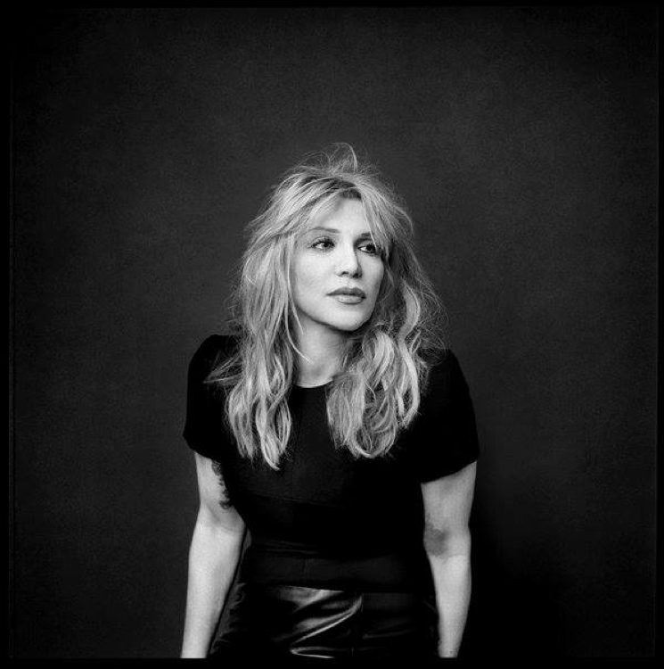 Courtney Love Will Star in Lifetime's Menendez Brothers Movie