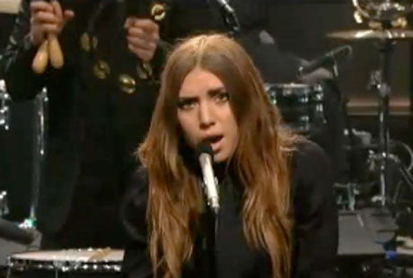 Lykke Li 'Youth Knows No Pain' (live on 'Leno')