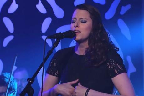 M83 'Oblivion' (ft. Susanne Sundfør) (live on 'Kimmel')