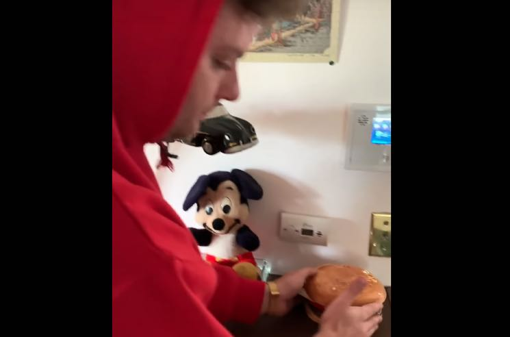 ​Mac DeMarco Shows Off His Toy Hamburger Collection in Weird House Tour